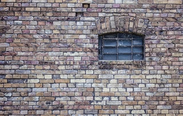 zadělané okno